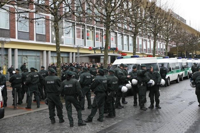Die Polizei nervt mit Schikanen en masse