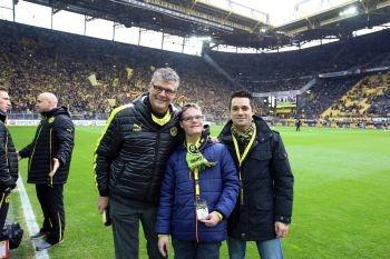 Nobby und Marco mit BVB-Praktikant Linus