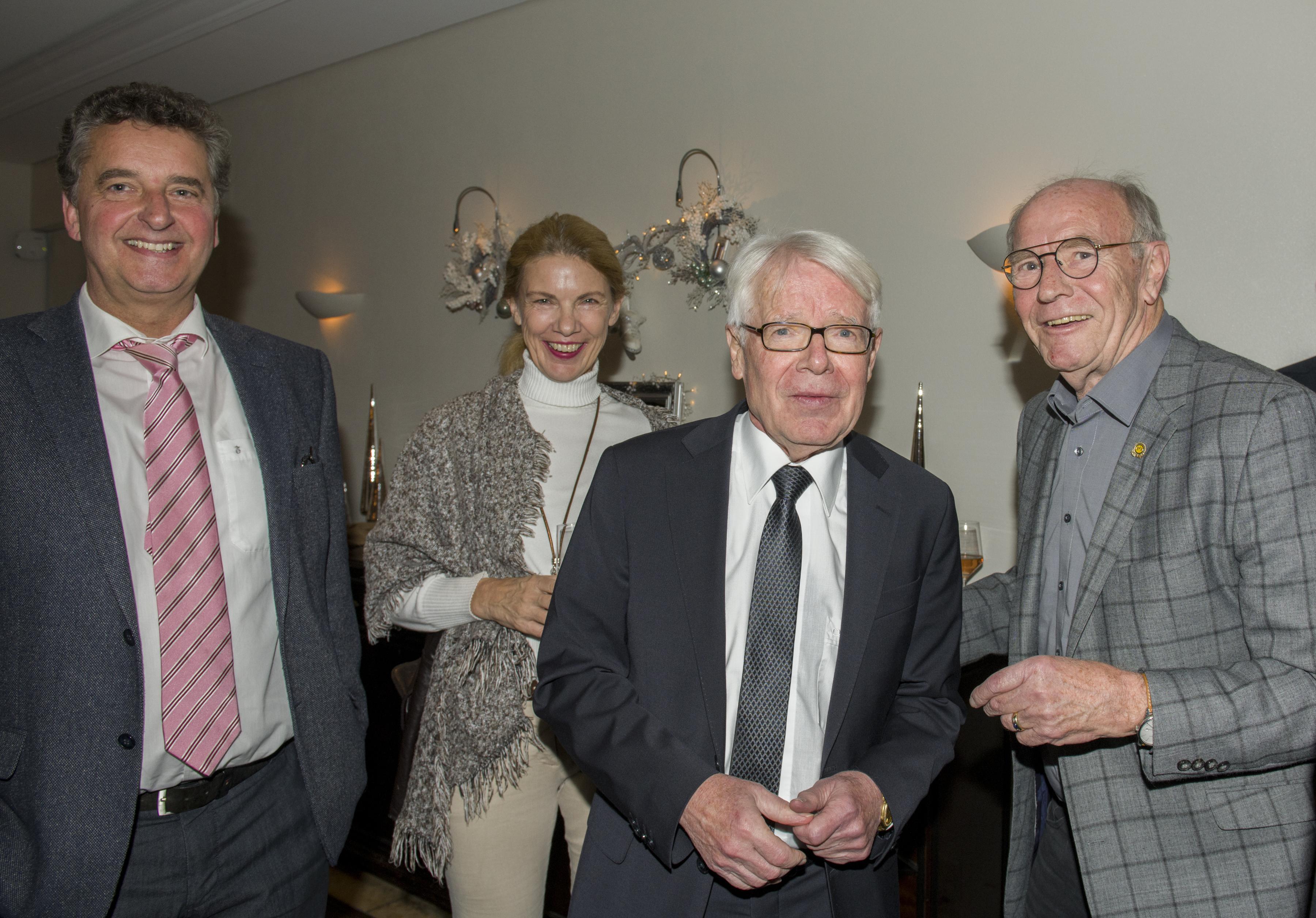 Wolfgang Paul rechts im Bild mit Reinhard Rauball