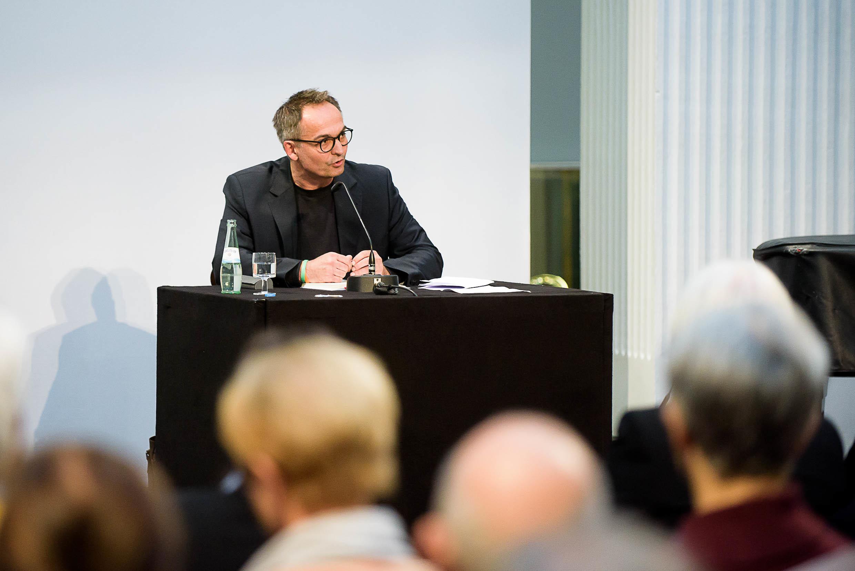 """Gregor Schnittker las aus Hans Frankenthals Buch """"Verweigerte Rückkehr"""""""