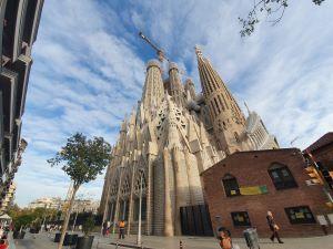 2026 soll die Sagrada Familia nach über 140 Jahren Bauzeit fertig stehen, pünktlich zum 100. Todestag Gaudis.