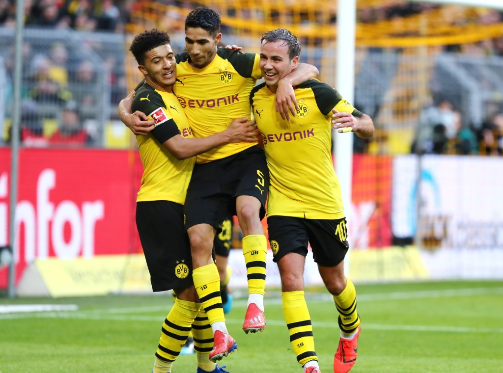 Jadon Sancho und Mario Götze sorgen für den 2-0 Halbzeitstand