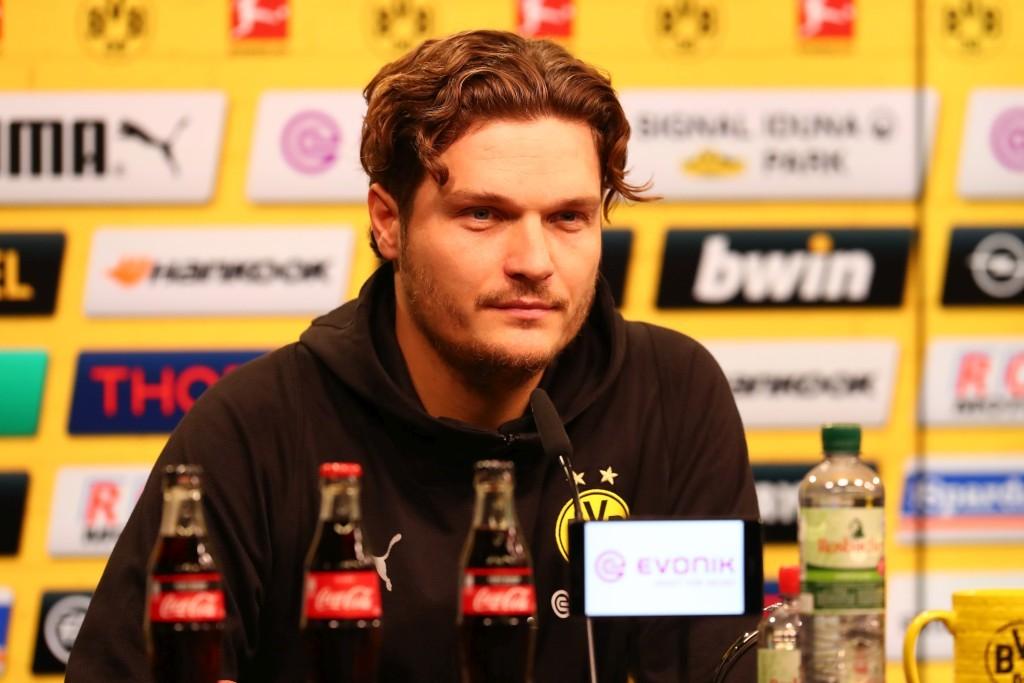 Edin Terzic vertrat Lucien Favre auf der Pressekonferenz und machte es sehr gut