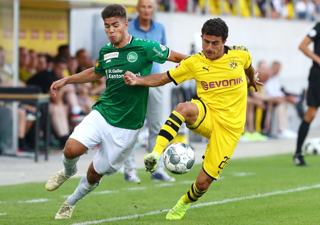 Starker Auftritt auf der rechten Seite von Mateu Morey
