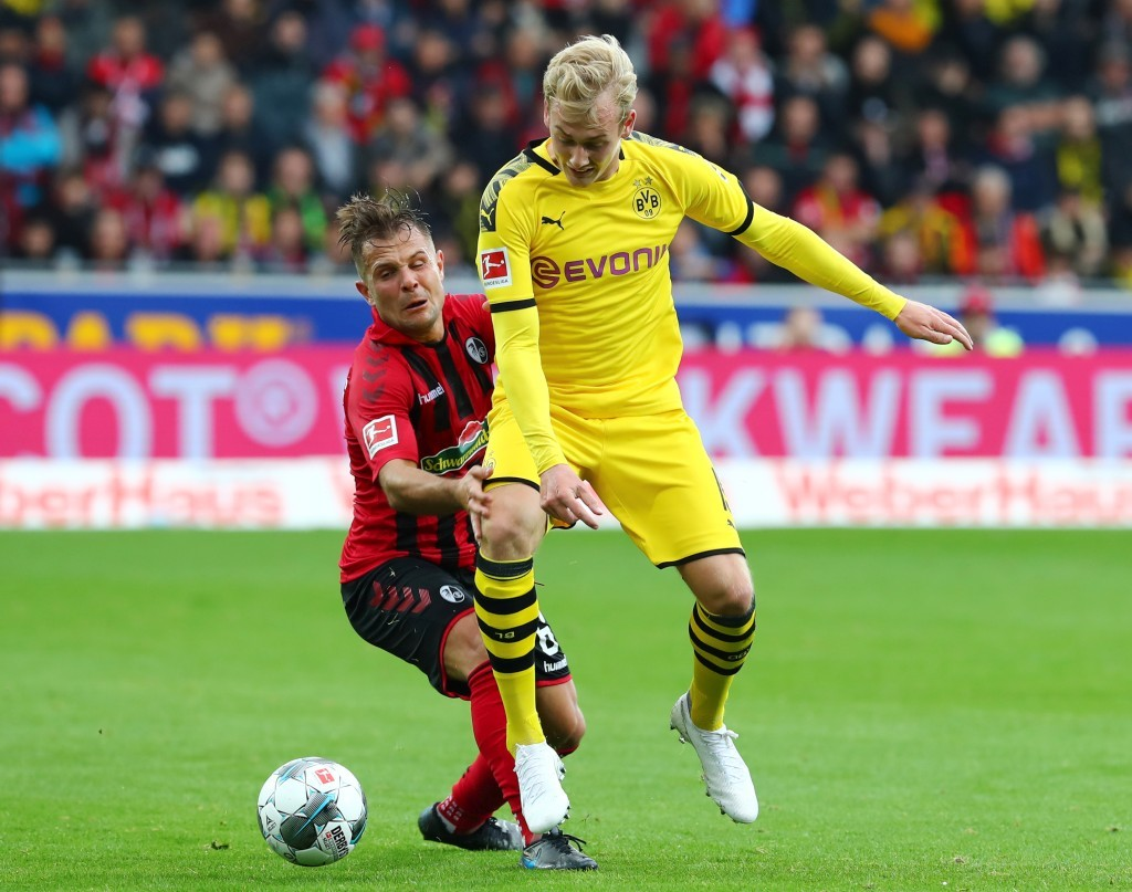 Julian Brandt gegen Amir Abrashi
