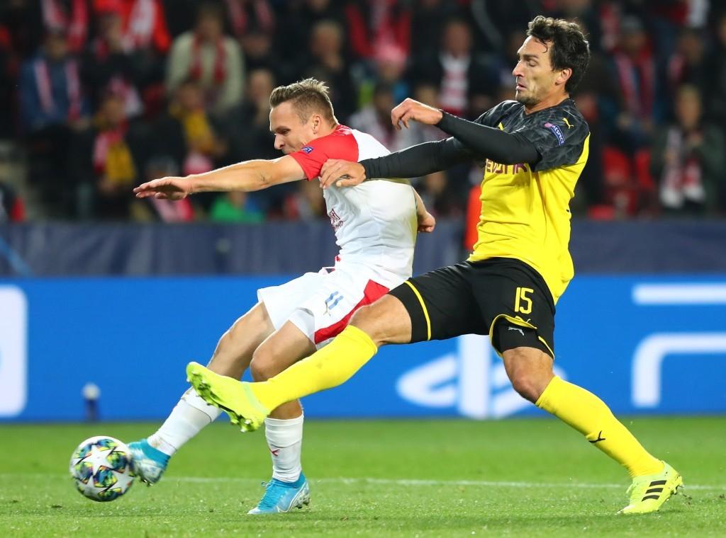 Über 90 Minuten machte es Slavia dem BVB sehr schwer