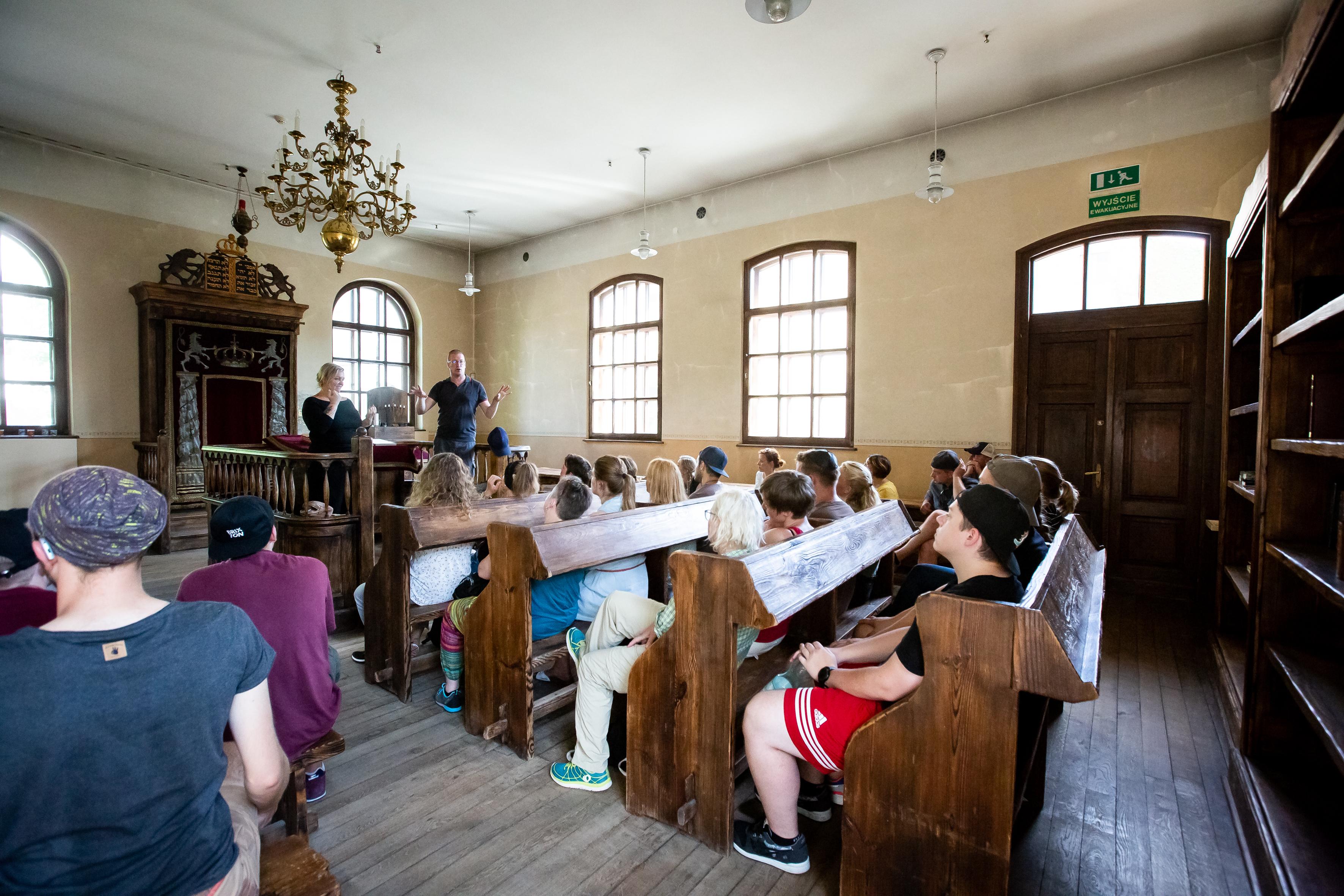 In der Synagoge von Oświęcim