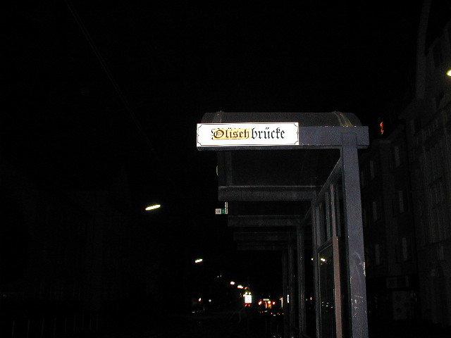 Nach der Verpflichtung wurde die Möllerbrücke bei einer Derby-Aktion einfach mal umbenannt.