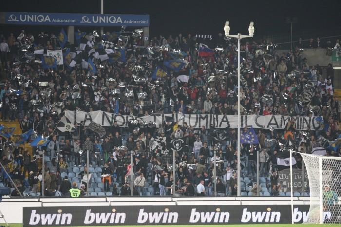 Die Fankurve von Udine im Jahre 2008