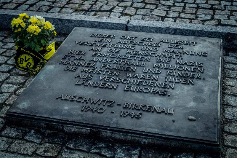 """Ein Gedenkstein als """"Mahnung an die Menschheit"""""""
