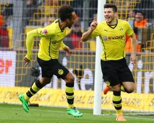 Milos bejubelt seinen ersten BVB-Treffer