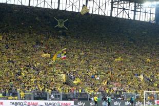 Die Gelbe Wand zeigte sich recht stimmungsmau