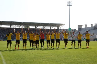 Der BVB unterschätze den CFC nicht und durfte sich nach Spielende feiern lassen