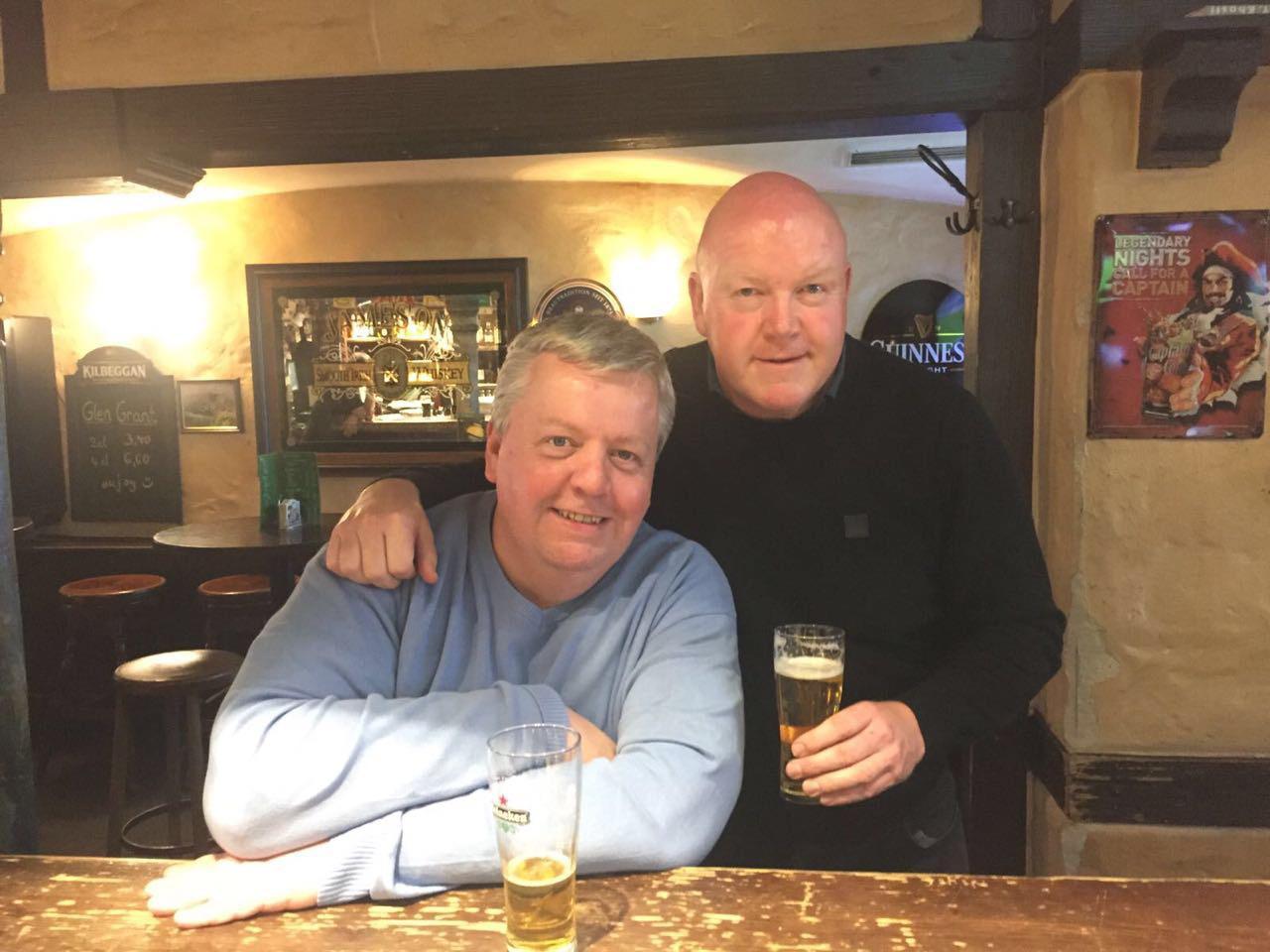 Simon und Phil sind seit Ihrer Geburt Anhänger von Leeds United