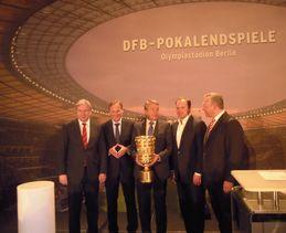 Vorstellung des Pokals in Berlin