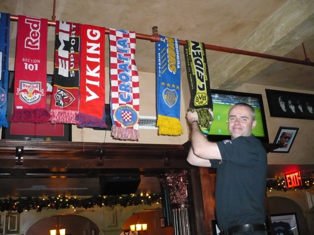 Fanscarves in the Legends pub