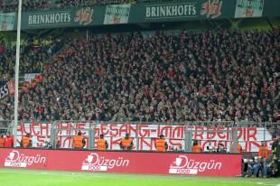 12:12 der Düsseldorfer im Dortmunder Gästeblock
