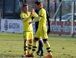 Torschützen unter sich Durm (l.) erzielte das 1:0, Bajner das 2:1