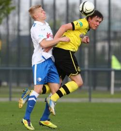 Tim Kosien gegen Nick Weber (r.)