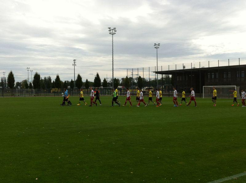 Einlauf zum Spiel U19 BVB - Theesen
