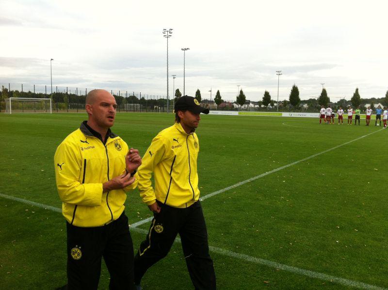 Der neue Trainer Meister (links)