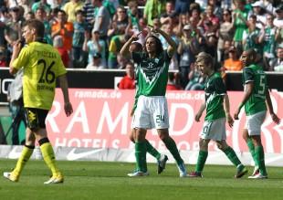 Pizarro bejubelt das 2-0
