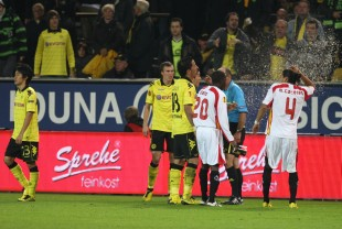 yellow/red card for Schmelzer