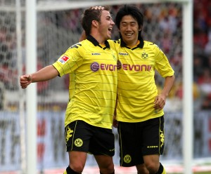 Everybody talks about Mario Goetze (l.) and Shinji Kagawa