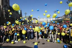 Bunter Protest auf dem Rathausplatz