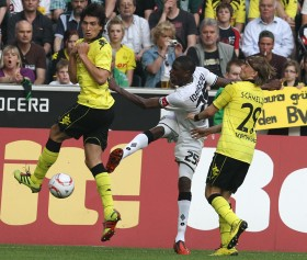 Hummels and Schmelzer vs. Idrissou