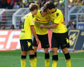 Kevin (m.), Mario & Mats celebrate the 2-0