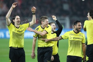 Borussia players celebrating the victory in Mainz