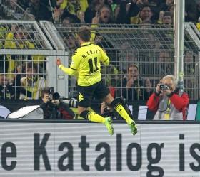 Mario Götze feiert seinen Treffer zum 2-0