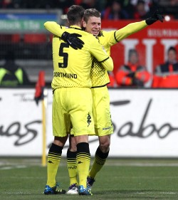 Kehl and Piszczel celebrated the 0-1