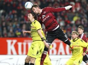 Neven Subotic in action