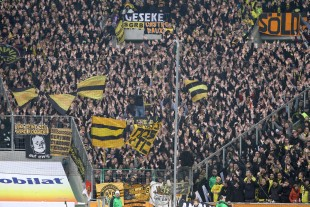 Around 8.000 supporters travelled to Gladbach