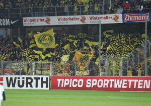Ein voller Gästeblock soorgte für Stimmung im Freiburger Stadion