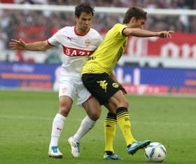 Leiter defends the ball against Stuttgart