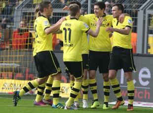 Zwei Tore von Robert Lewandowski sichern den Sieg gegen die Roten