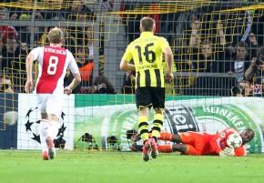 Vermeer hält den Elfmeter von Hummels