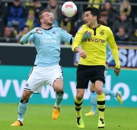 Van der Vaart (l.) gegen Sahin