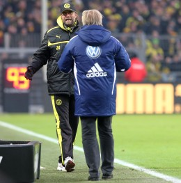 Juergen Klopp and Lorenz Koestner discuss about the penalty