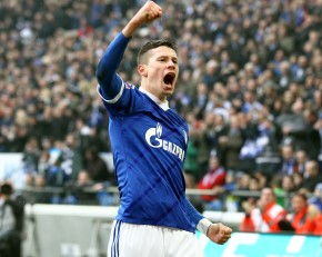 Not good for Borussia: Julian Draxler celebrated the 1-0