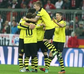 Götze, Reus und Co. bejubeln den Punktgewinn bei den Bayern