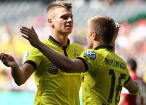 Piszczek bejubelt mit Kuba seinen Treffer zum 0-2