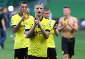 Marco Reus bedankt sich beim BVB-Anhang