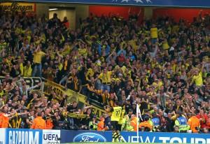 3500 BVB-Fans peitschten die Mannschaft zum Sieg