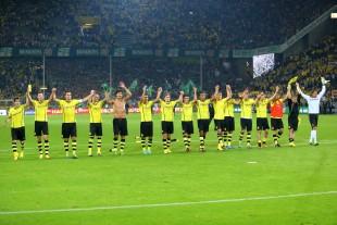 Die Mannschaft macht die Welle nach dem Sieg gegen Werder Bremen