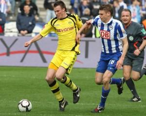 Grosskreutz batteling a Hertha player
