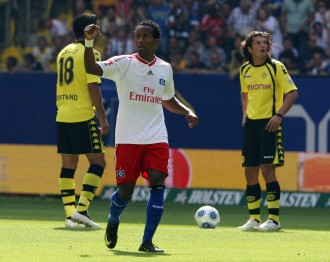 HSV wreak havoc in BVB's defence